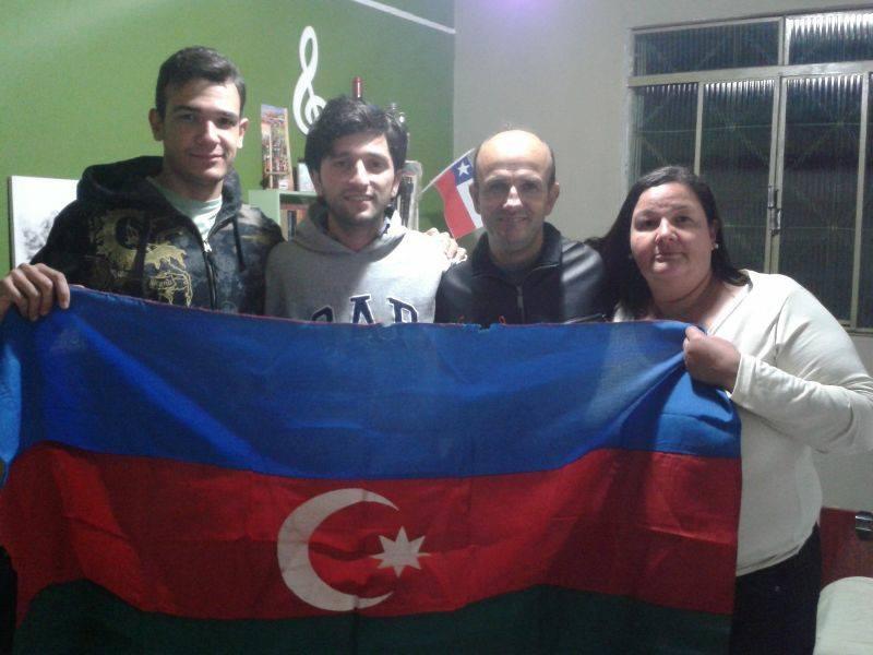 Favelladakı Azərbaycan bayrağı